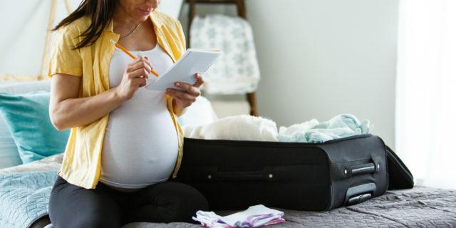 Pigiama per l'ospedale: i 7 migliori modelli per il parto