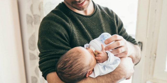 Congedo di paternità a 7 giorni, le novità (e come funziona)