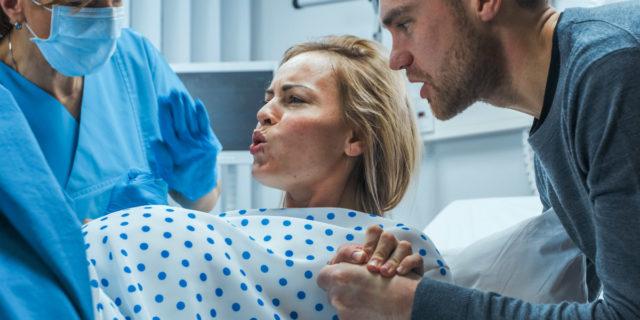 Le 9 cose (che non ti aspetti) che possono succedere durante il parto
