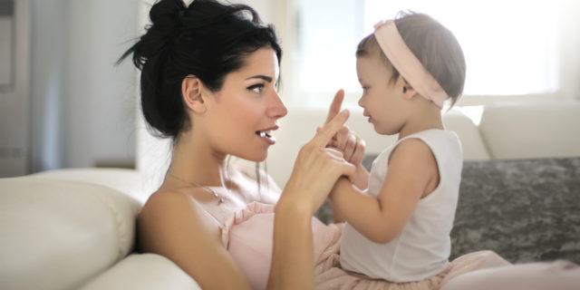 """Baby talk, quando la mamma fa le """"voci"""" al suo bambino"""
