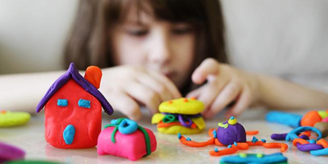 Scuole chiuse per coronavirus: le attività anti-noia da fare con i bambini