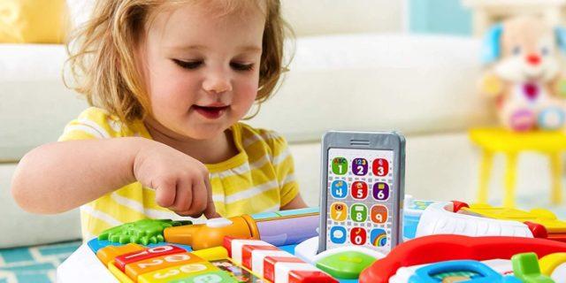 Tavoli attività: 7 modelli per trovare il migliore e stimolare i bambini