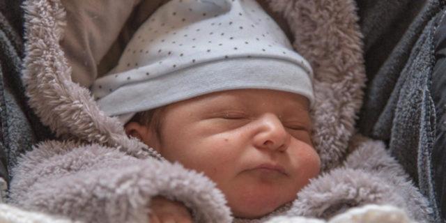 Quanto dorme un neonato? 10 cose da sapere sul sonno dei bambini