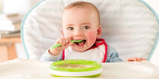 Set pappa: dalle posate ai piatti, i migliori per favorire l'autonomia a tavola