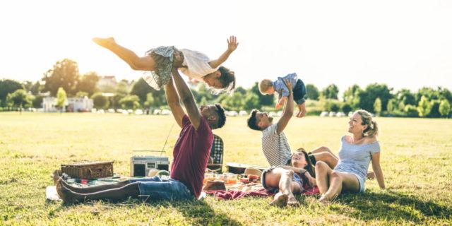 Come scegliere i lettini da campeggio per bambini e i modelli migliori