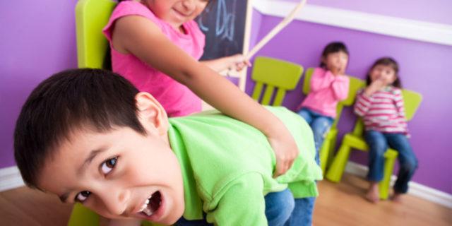 Sculacciate ai bambini: perché evitarle e 3 metodi più efficaci