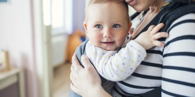 Come scegliere il marsupio per neonato e quali sono i suoi benefici
