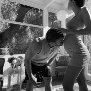 Emily Ratajkowski è incinta! Ma non rivela il sesso del bambino: ecco perché