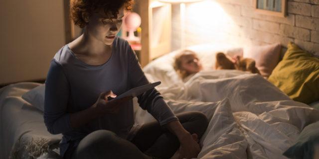 Covid-19: aumentano ansia e insonnia materna, i dati scientifici