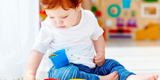 Travasi Montessori: un gioco che piace ai bambini e che stimola l'intelletto