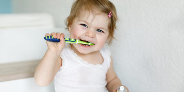 Come scegliere il dentifricio per bambini per denti (da latte) sani e puliti