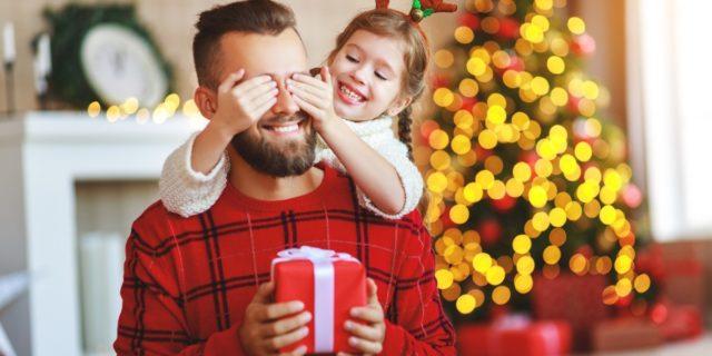 Regali di Natale per (neo) papà pensati con il cuore