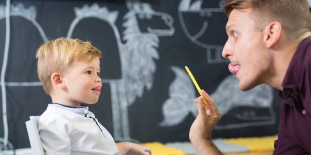 Quando serve la logopedista per bambini e gli esercizi consigliati dall'esperta
