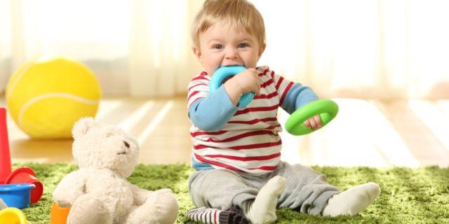 Perché è inadatto parlare di neonato iperattivo? La parola alla psicologa