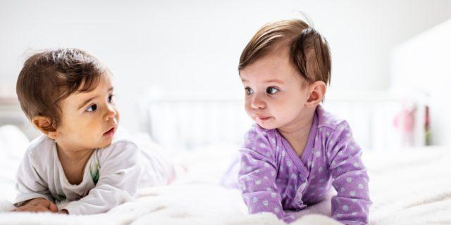 Cos'è la criptofasia? Tutte le curiosità sul linguaggio segreto dei gemelli