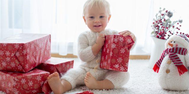 Regali di Natale per bambini di 1 anno: 14 idee per ogni budget