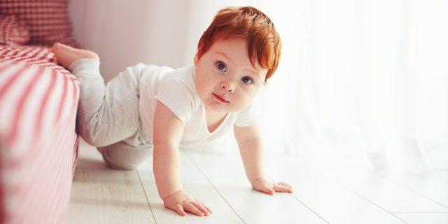 Come favorire lo sviluppo motorio del neonato (e quando preoccuparsi)