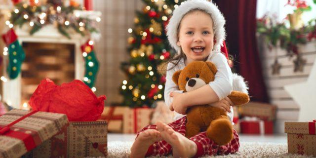 Regali di Natale per bambini di 3 anni: educativi, stimolanti (e non solo)