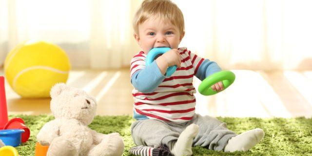 Dentizione neonati e bambini, cosa fare? I rimedi per alleviare il dolore