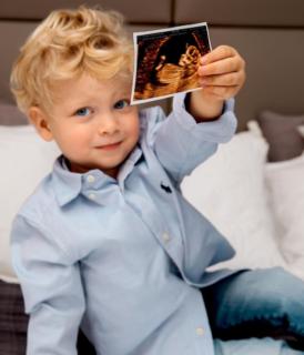 Come annunciare una gravidanza sui social: le idee più belle dalle star