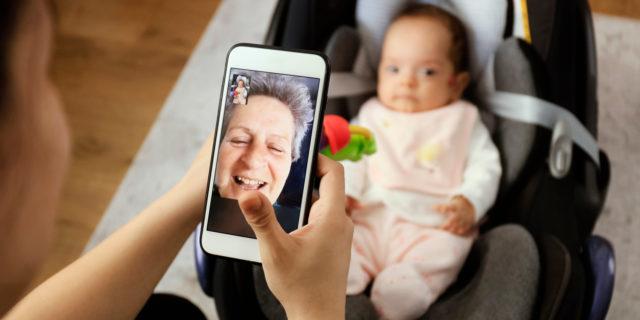 """""""Il regalo speciale di nonna che quando nascerai non potrà esserti vicina"""""""