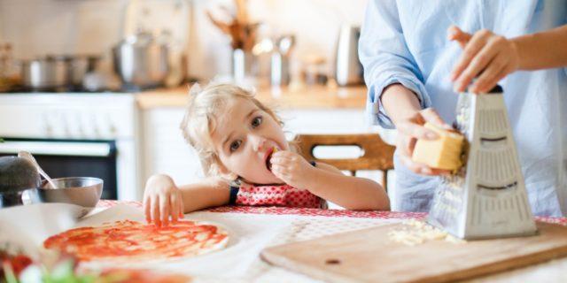 Bambini e Covid-19: i consigli per affrontare l'aumento di peso