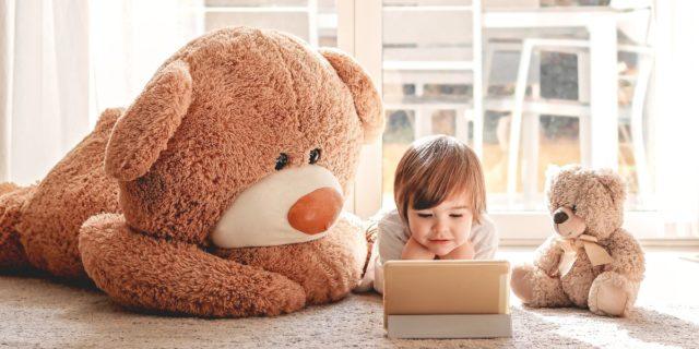 YouTube e i video per bambini: perché creano dipendenza? Le regole da seguire