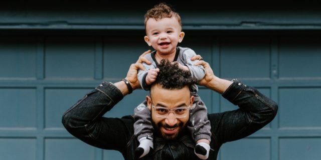 La voce dei padri: i migliori podcast dedicati al tema della paternità