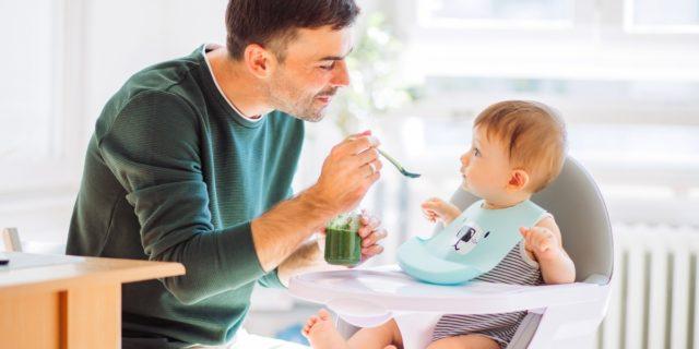 Comodi, evolutivi e pratici: i consigli per scegliere il seggiolone per la pappa