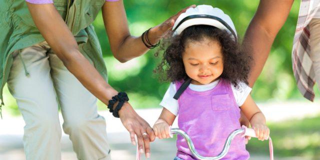 Divertirsi in sicurezza: come scegliere il casco bici bambino?
