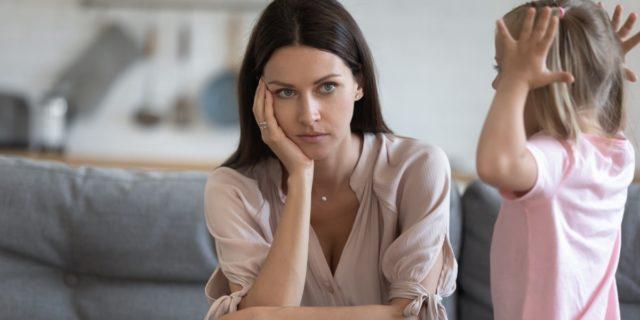 Stress, stanchezza e voglia di fuga: come superare il parental burnout da Covid