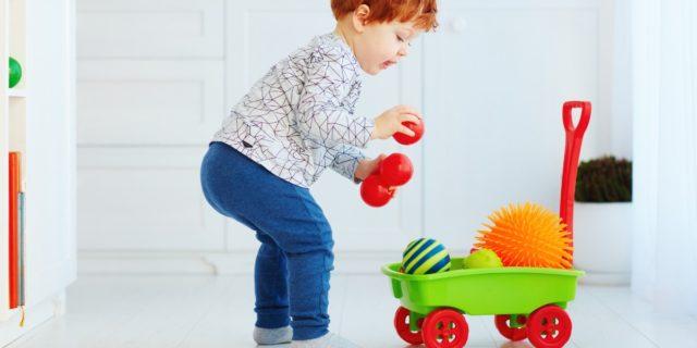 Regali gender neutral, idee (oltre gli stereotipi) per bambini e neonati