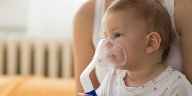 Asma neonati e bambini: come riconoscerlo dai primi segnali