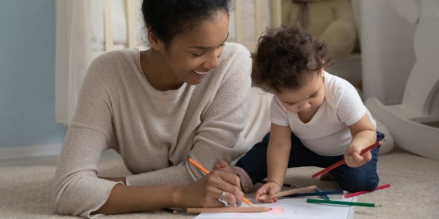 Stimolano la fantasia e aiutano la crescita: i libri da colorare per bambini