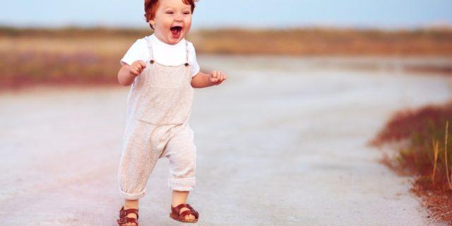 Casual, comodi e traspiranti: la guida ai sandali per bambini