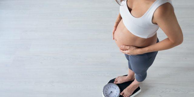 Dimagrire in gravidanza, le indicazioni del ginecologo per restare in salute