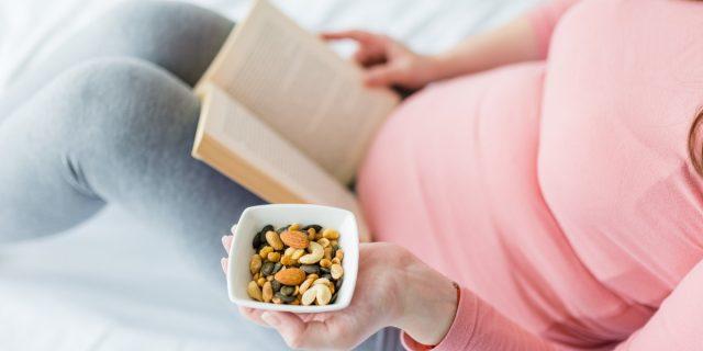 Combatte stanchezza e irritabilità, ecco quando integrare il magnesio in gravidanza