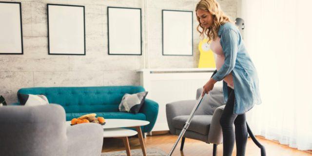 Lavori domestici in gravidanza: cosa si può fare (e cosa no)?