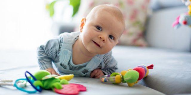 Stimola i sensi (e calma il bebè), scopriamo il sonaglio per neonato