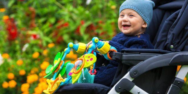 Divertenti, stimolanti e sicuri: i giochi da passeggino
