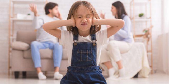 Gli effetti psicologici della separazione conflittuale sui bambini (e come tutelarli)