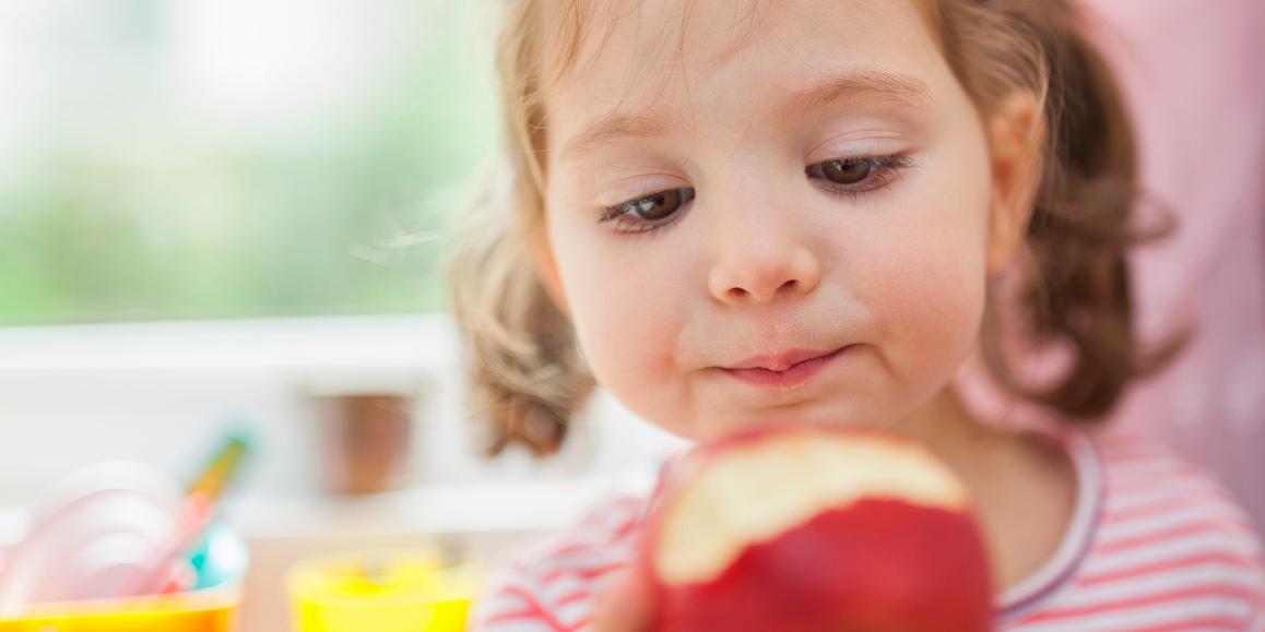"""""""Questa mela a chi la do""""? 6 modi creativi per fare amare ai bambini le mele"""