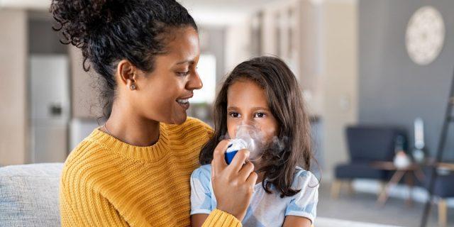 Asma nei bambini: i consigli del pediatra per riconoscerlo e trattarlo