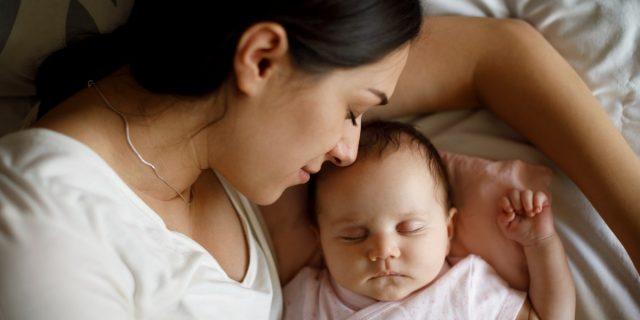 Com'è il respiro del neonato? Ecco come riconoscere i campanelli di allarme