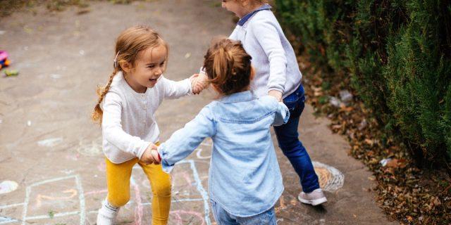 Bambini e qualità della vita 2021 in Italia, dove si vive e si cresce meglio?