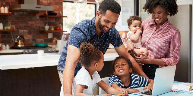 Famiglia numerosa: bonus, aiuti, agevolazioni e i consigli per gestirla