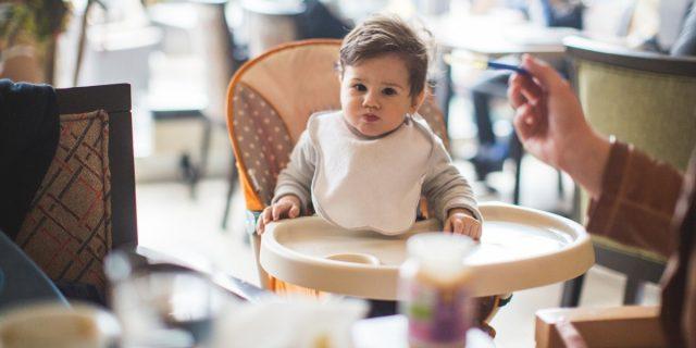 Bambini al ristorante: il vademecum per godersi una serata serena