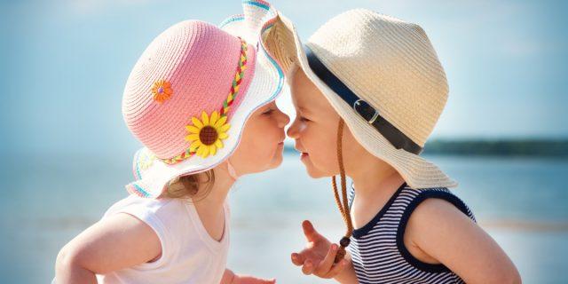 Il 77% dei bambini sotto i 3 anni vive l'esperienza dell'innamoramento, lo studio