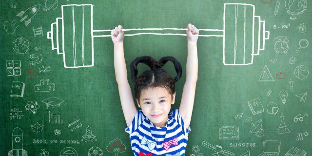 Crescere figli sicuri migliorando l'autostima dei bambini: cosa fare e cosa non dire