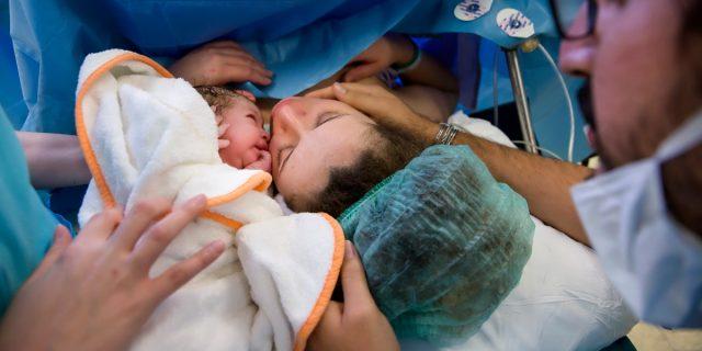 Le 56 raccomandazioni dell'OMS contro il parto medicalizzato